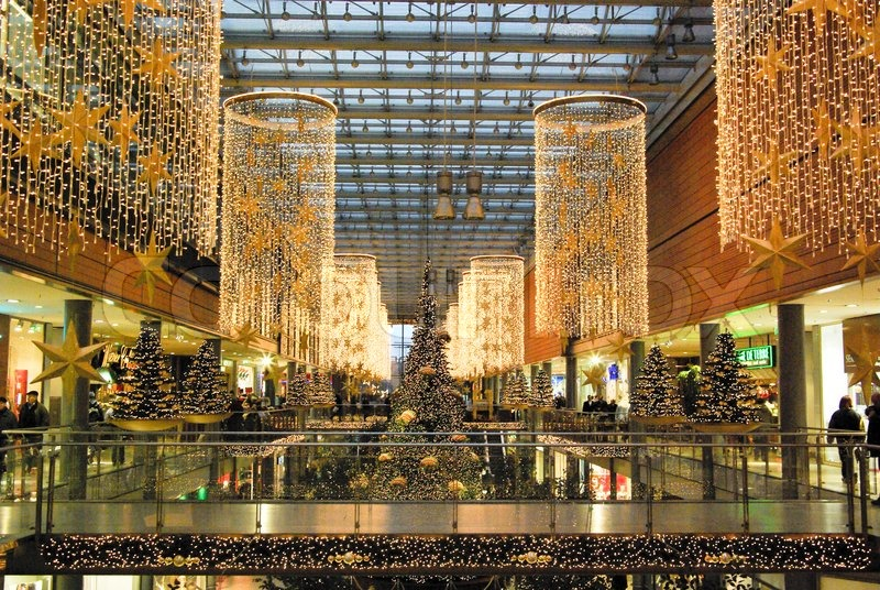 decoration_noel_pour_centre_commercial_grand_magasin_supermarche_evasion_communication_theatralisation