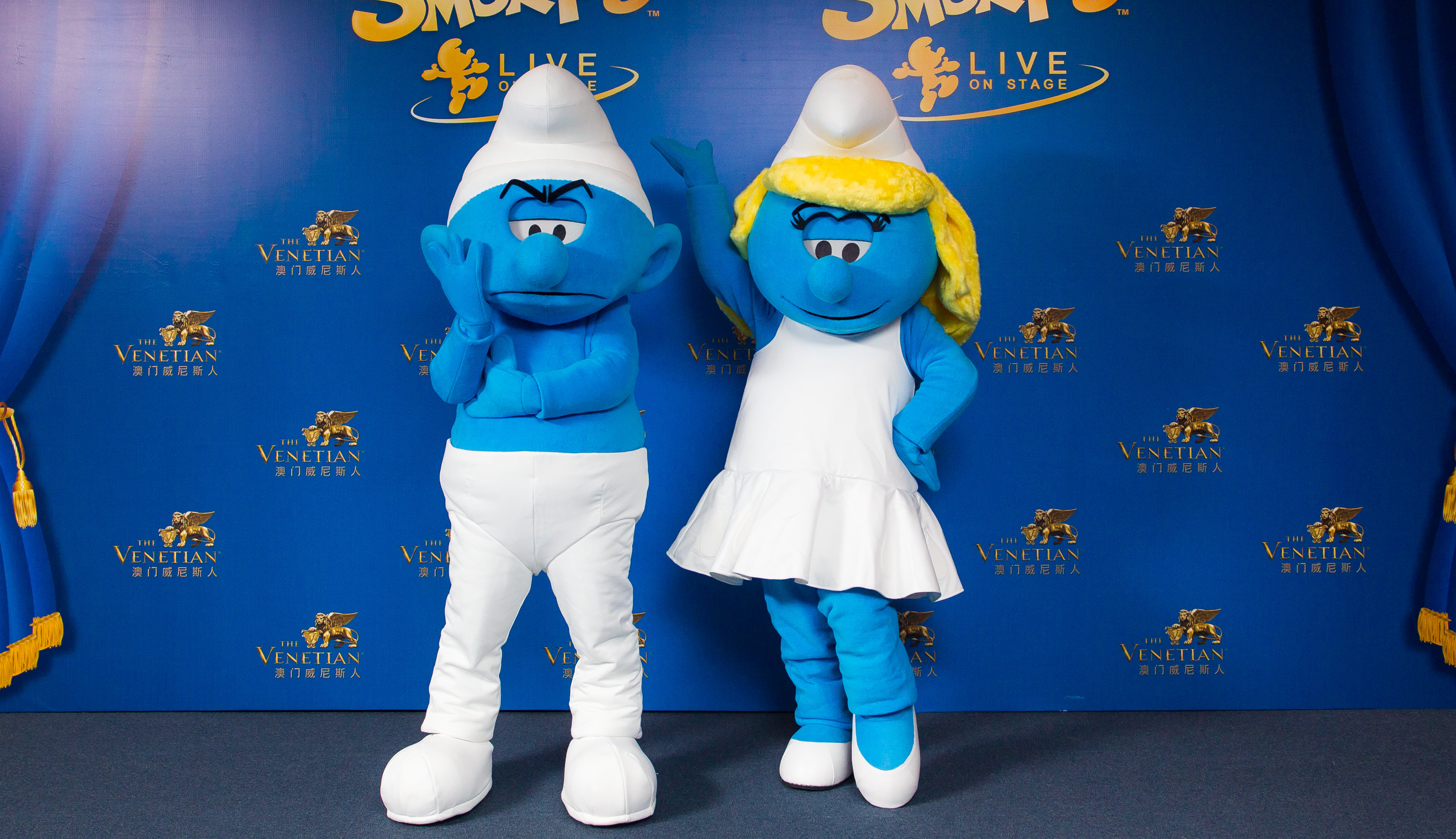 Les_Schtroumpfs_personnages_mascottes_smurfs_evasion_communication_agence_evenement_show_event_smurfs_costumes_character_imps_Sony_Pictures_France_Expendo_centre_commercial_animation_006