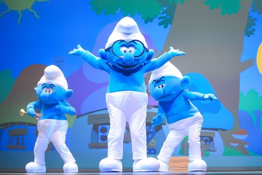 Les_Schtroumpfs_personnages_mascottes_smurfs_evasion_communication_agence_evenement_show_event_smurfs_costumes_character_imps_Sony_Pictures_France_Expendo_centre_commercial_animation_002