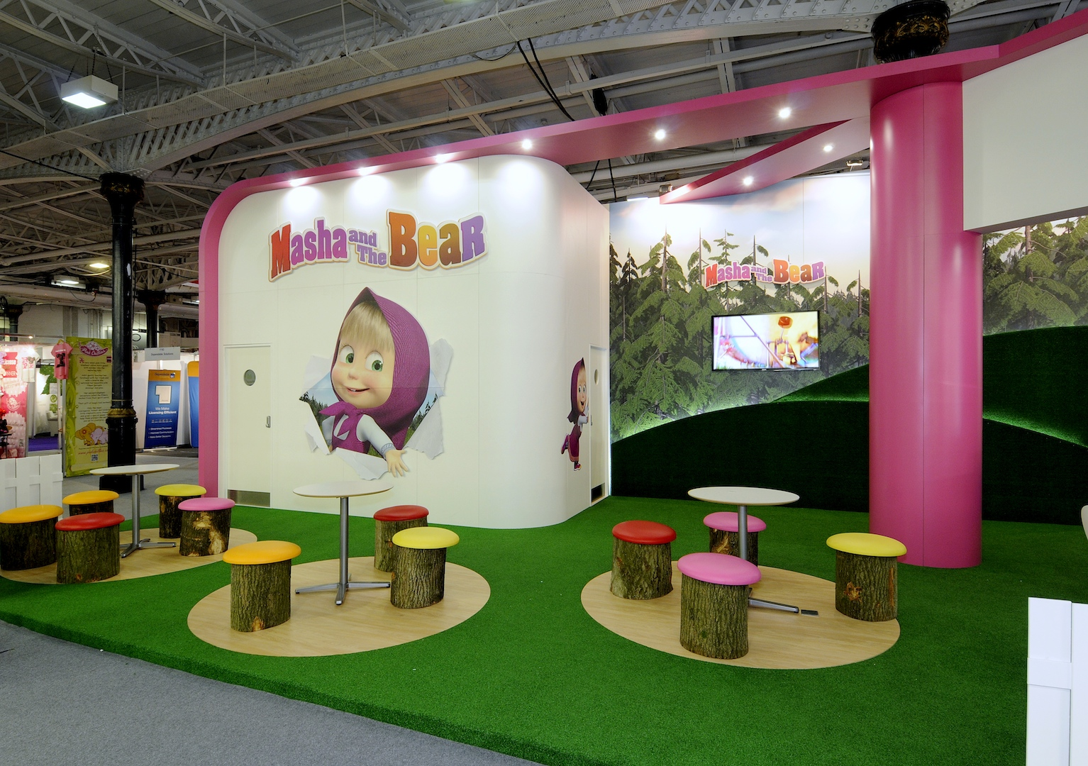 Stand Masha et Michka animation meet and greet event